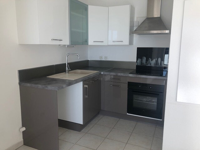 Appartement à louer 2 39.88m2 à Istres vignette-4