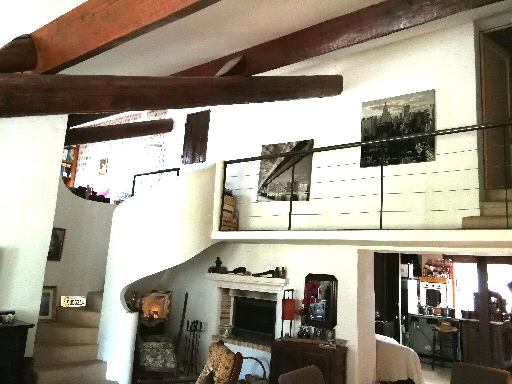 Maison à vendre 5 170m2 à Arles vignette-1