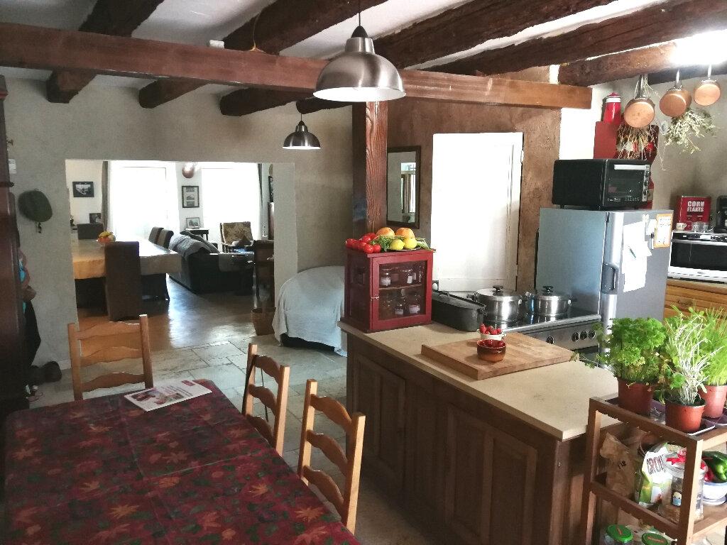 Maison à vendre 5 170m2 à Arles vignette-2