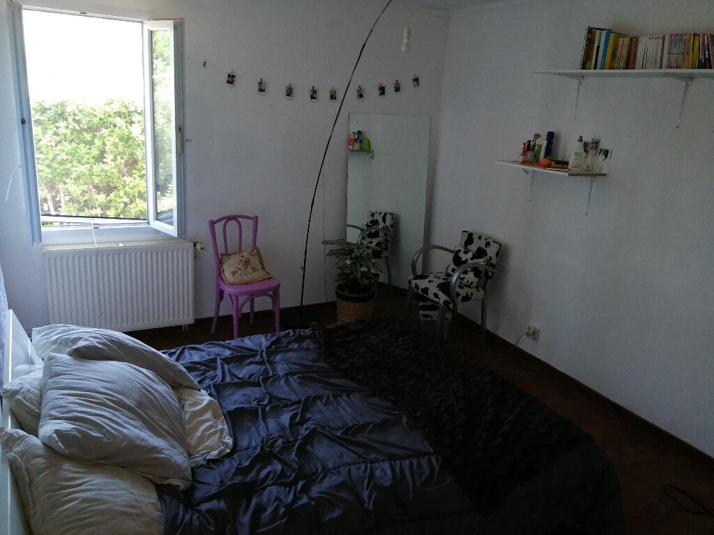 Maison à vendre 5 170m2 à Arles vignette-3