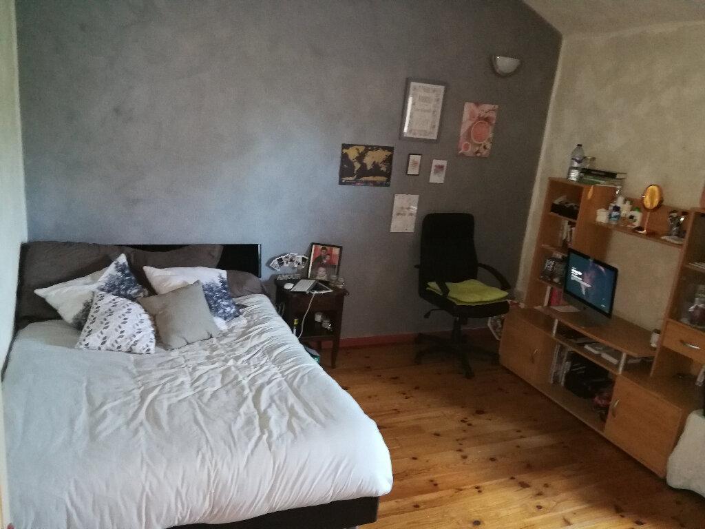 Maison à vendre 5 170m2 à Arles vignette-4
