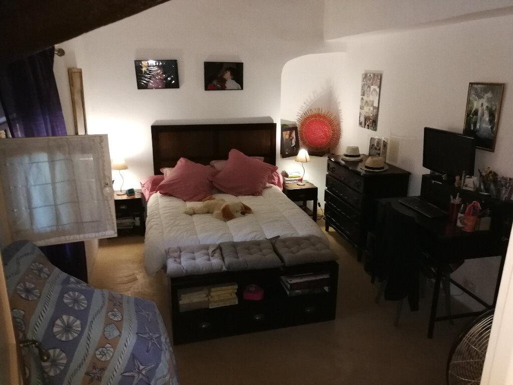 Maison à vendre 5 170m2 à Arles vignette-5