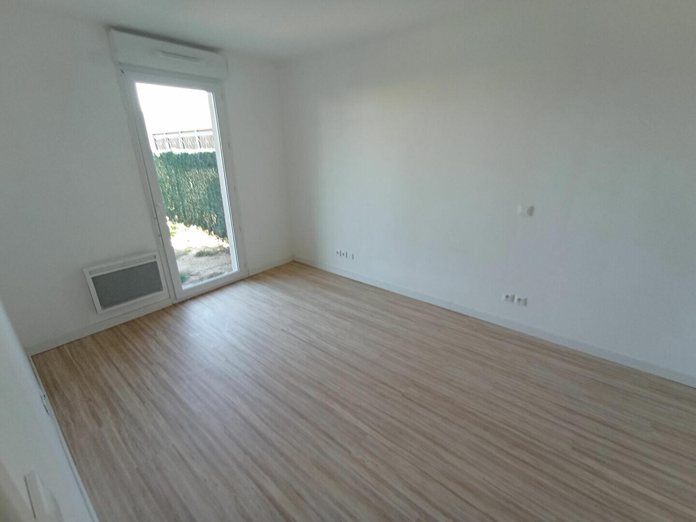 Appartement à louer 2 44.73m2 à Istres vignette-2