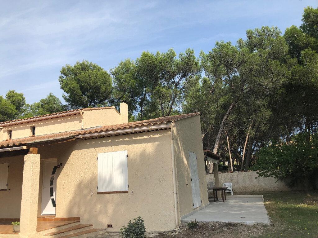 Maison à louer 4 114.34m2 à Istres vignette-4