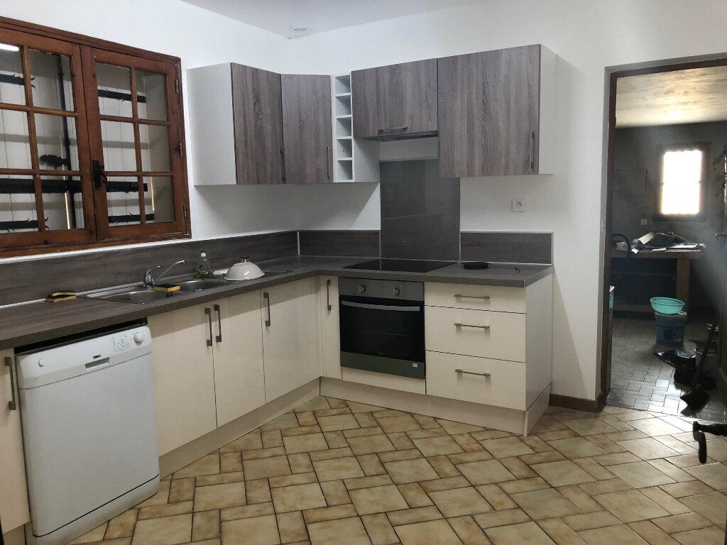 Maison à louer 4 114.34m2 à Istres vignette-7