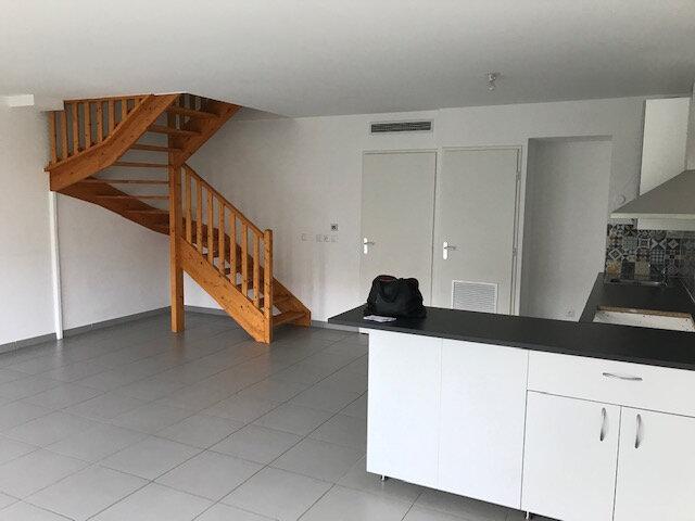 Maison à louer 4 101.02m2 à Saint-Martin-de-Crau vignette-4