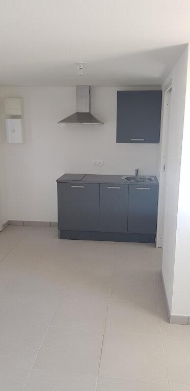 Appartement à vendre 1 20.47m2 à Saint-Mitre-les-Remparts vignette-2