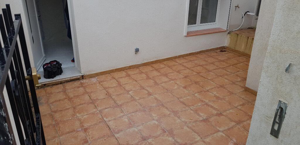 Appartement à vendre 1 20.47m2 à Saint-Mitre-les-Remparts vignette-4