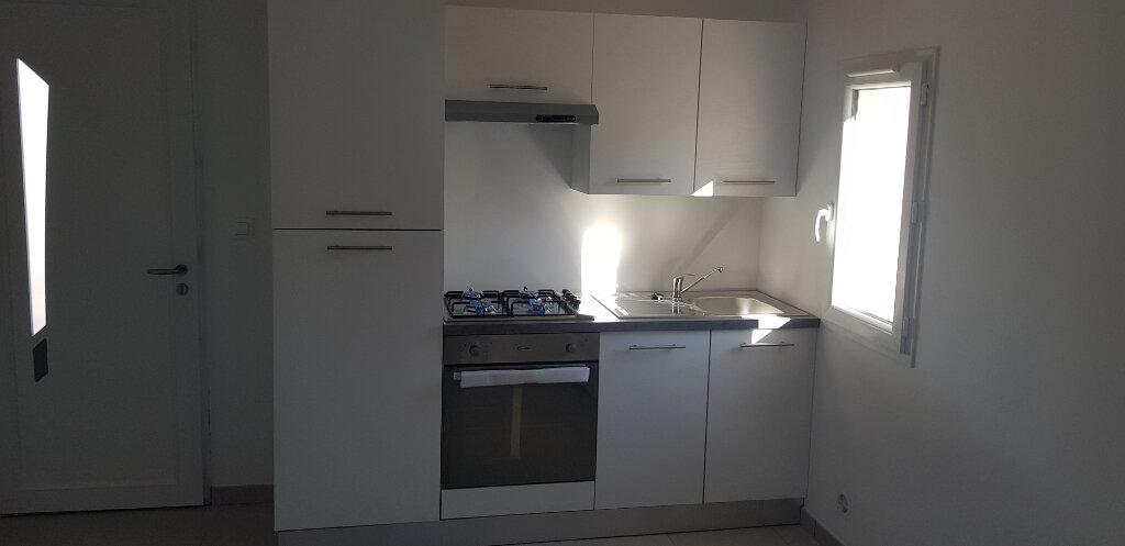 Appartement à vendre 1 21.69m2 à Saint-Mitre-les-Remparts vignette-4