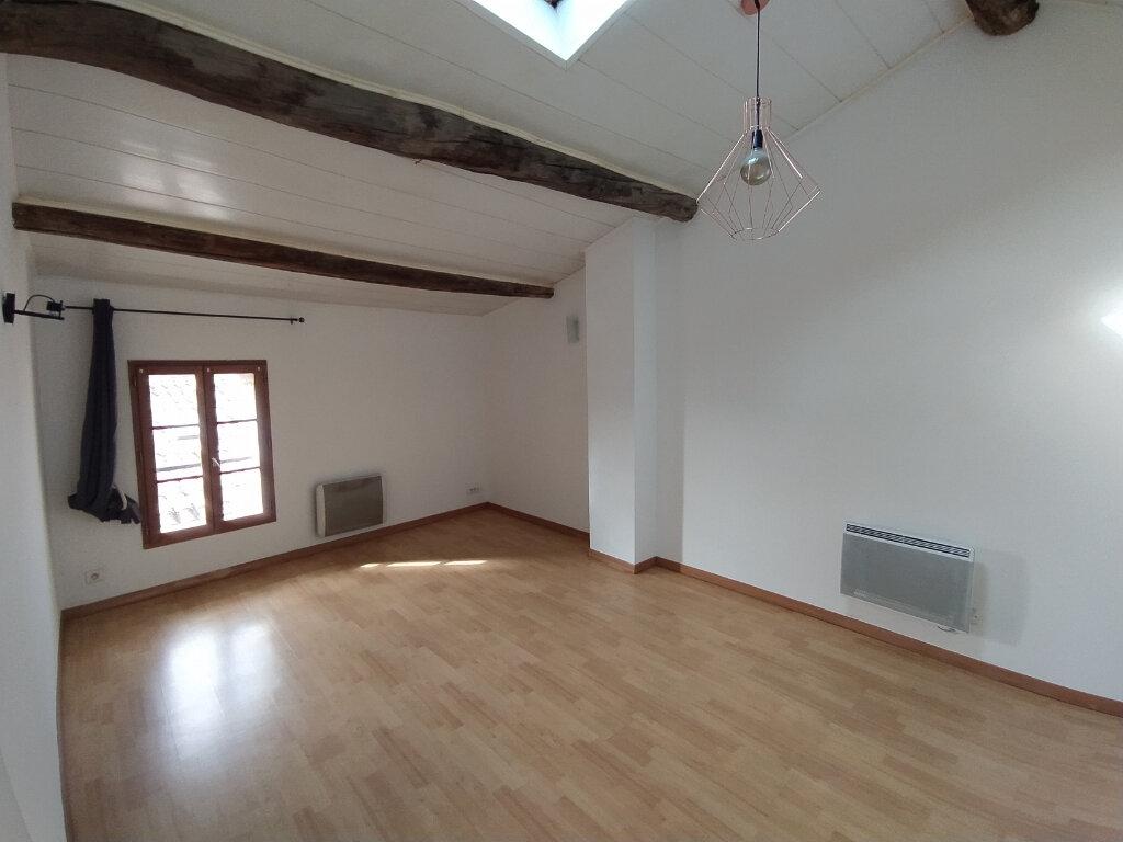 Appartement à louer 2 41.77m2 à Salon-de-Provence vignette-1