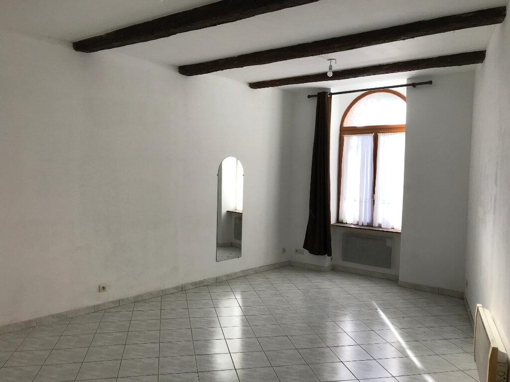 Appartement à louer 3 61.4m2 à Salon-de-Provence vignette-1
