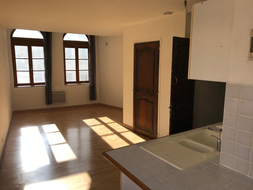 Appartement à louer 2 35.8m2 à Salon-de-Provence vignette-1