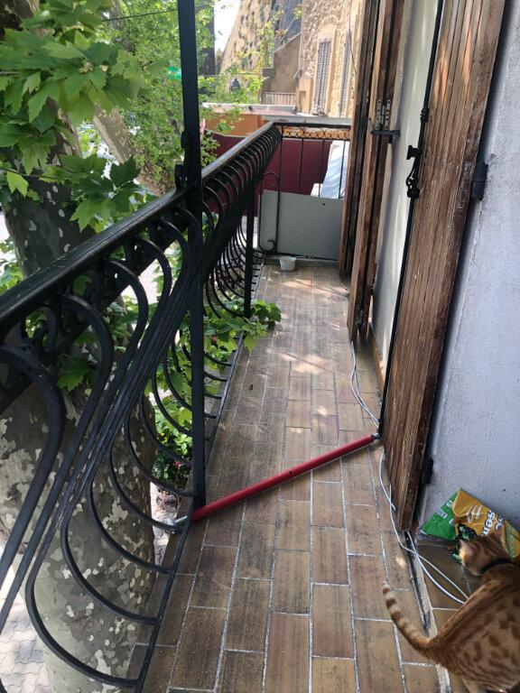 Appartement à louer 2 32.33m2 à Saint-Chamas vignette-1