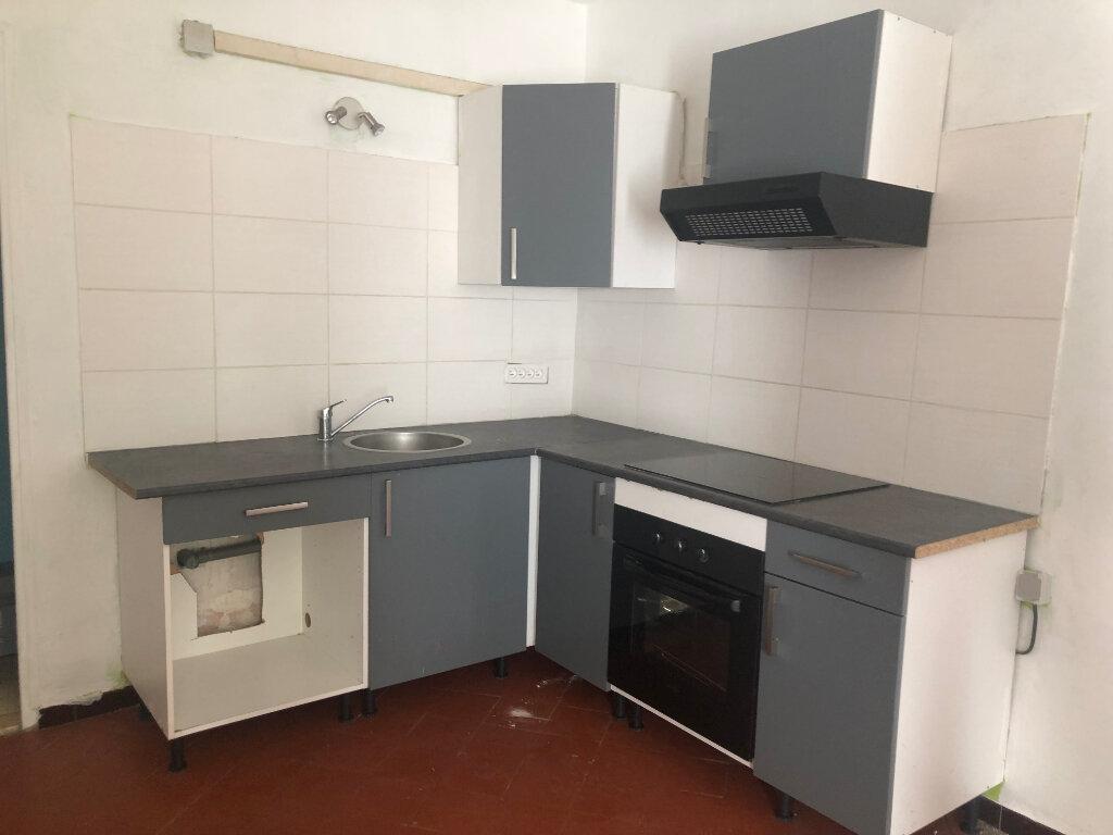 Appartement à louer 2 32.33m2 à Saint-Chamas vignette-2