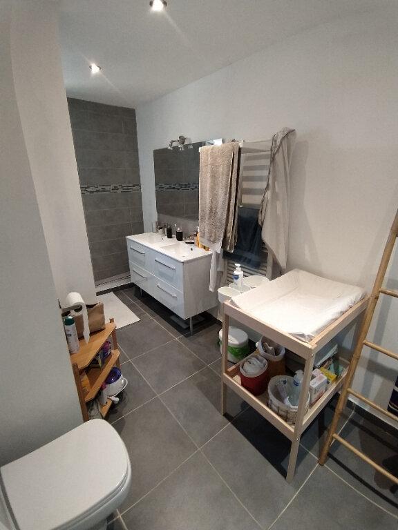Appartement à louer 4 91.41m2 à Saint-Martin-de-Crau vignette-2