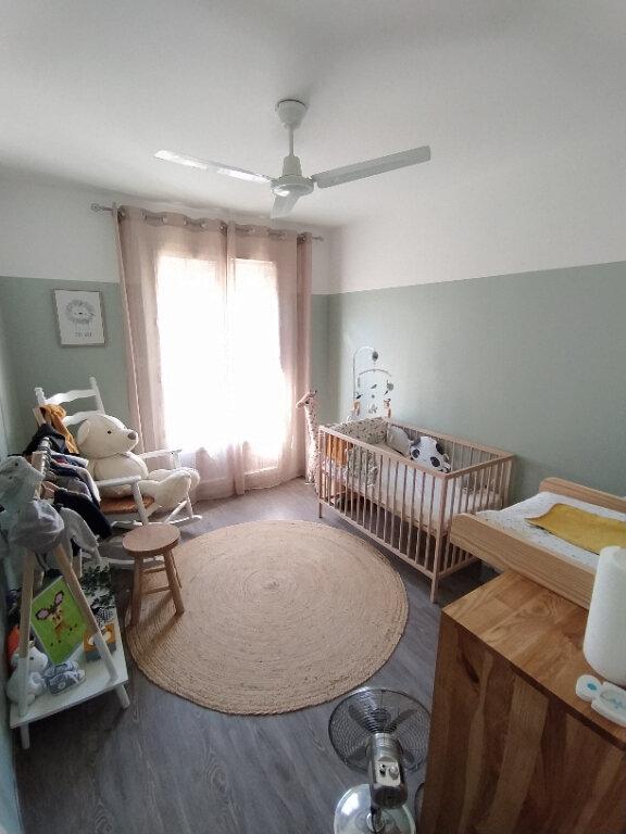 Appartement à louer 4 91.41m2 à Saint-Martin-de-Crau vignette-3