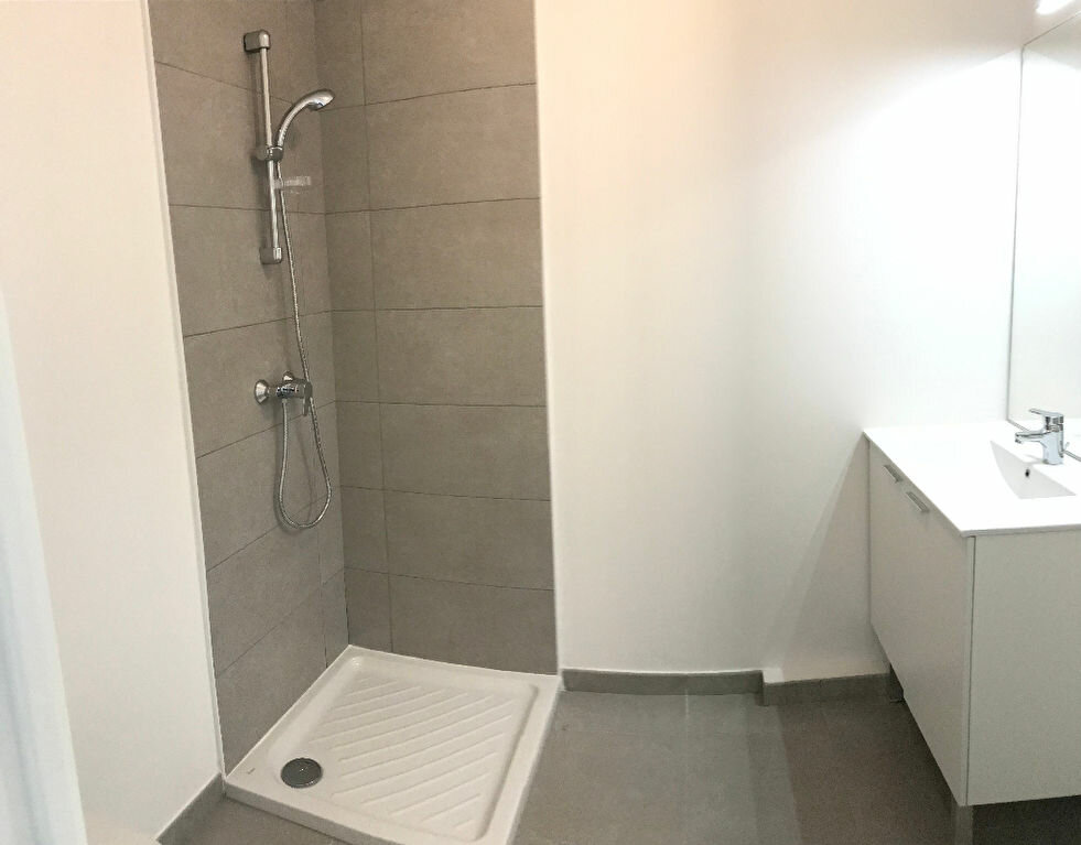 Appartement à louer 1 20.65m2 à Istres vignette-3