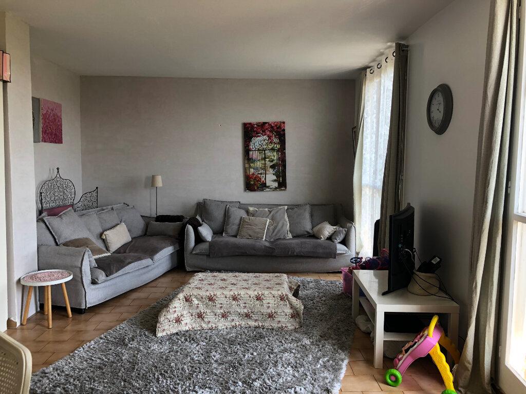 Appartement à vendre 4 83.32m2 à Salon-de-Provence vignette-2