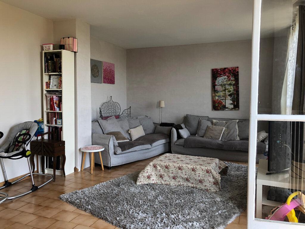 Appartement à vendre 4 83.32m2 à Salon-de-Provence vignette-3
