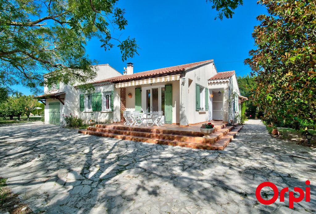 Maison à vendre 6 130m2 à Mouriès vignette-1