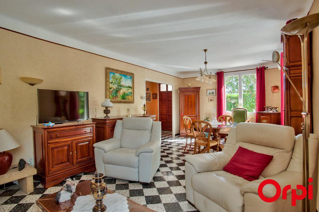 Maison à vendre 6 130m2 à Mouriès vignette-3