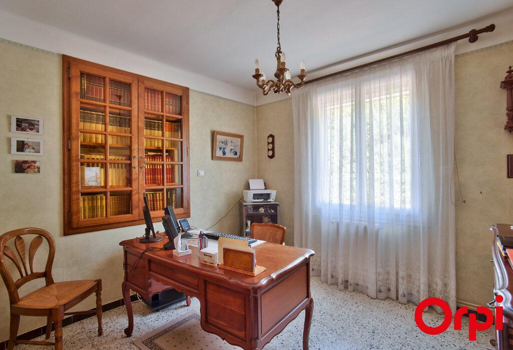 Maison à vendre 6 130m2 à Mouriès vignette-11