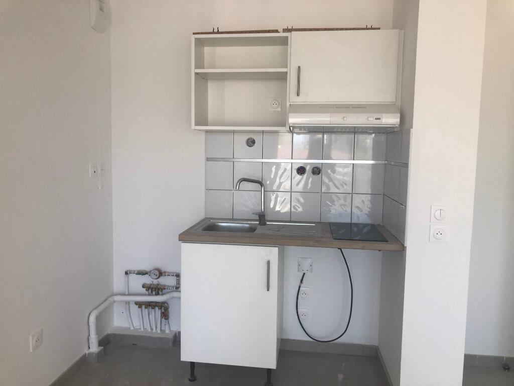 Appartement à louer 2 40.74m2 à Istres vignette-3