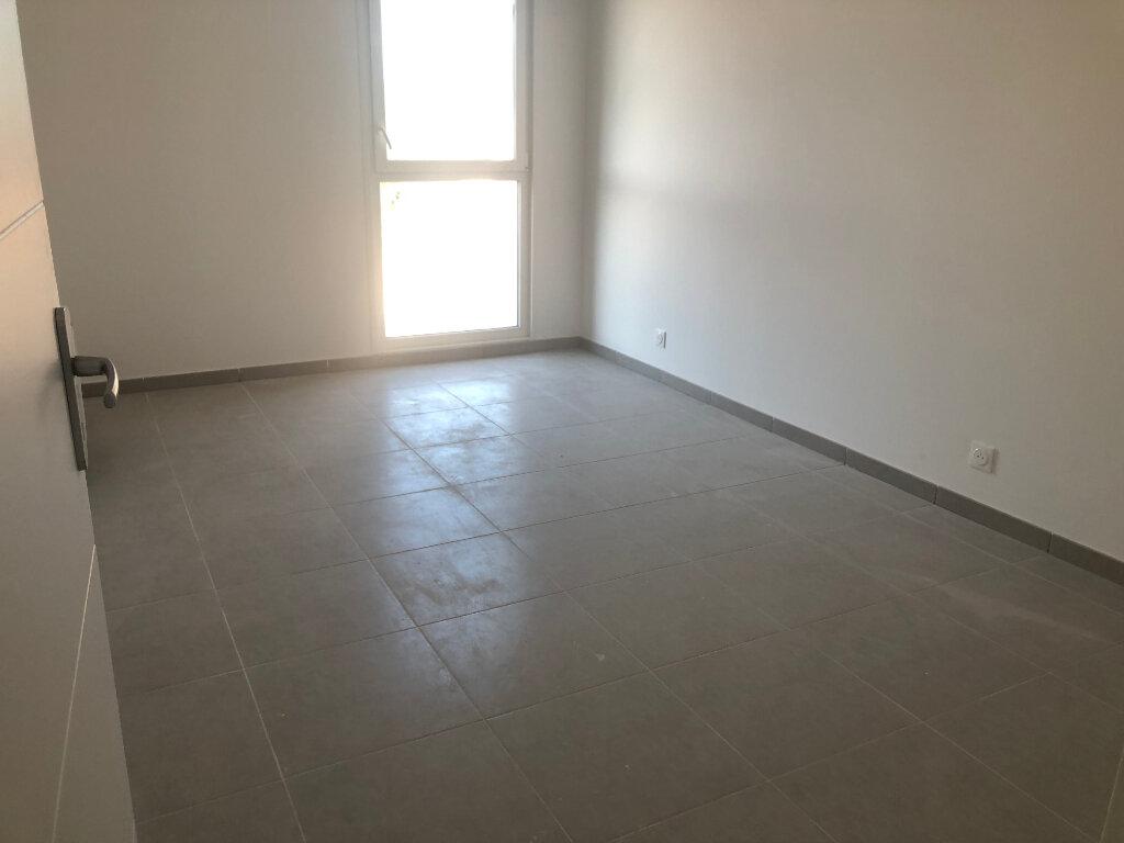Appartement à louer 2 40.74m2 à Istres vignette-5