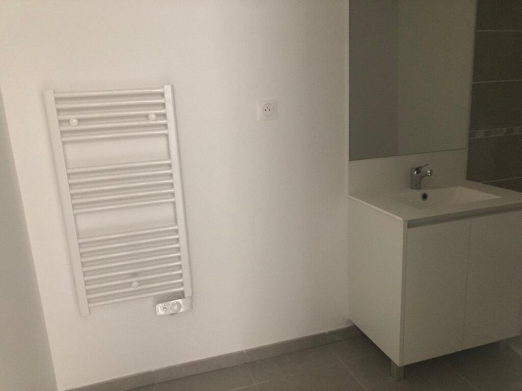 Appartement à louer 2 40.74m2 à Istres vignette-7