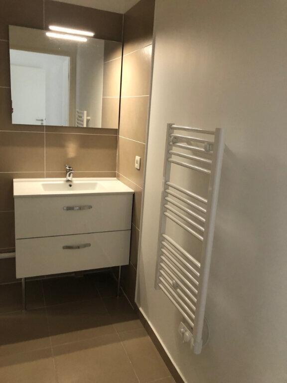 Appartement à louer 3 72.6m2 à Miramas vignette-7