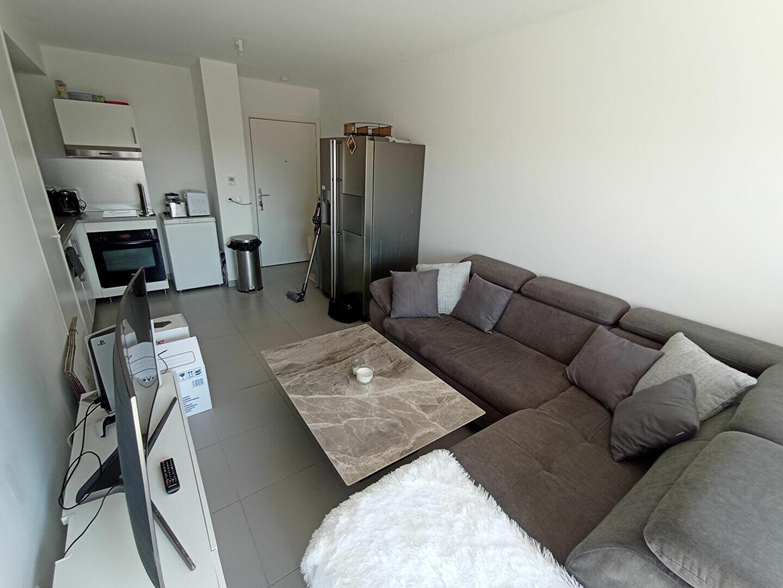 Appartement à louer 2 37.86m2 à Istres vignette-2