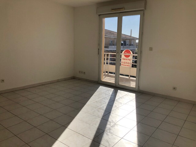 Appartement à louer 2 48.72m2 à Miramas vignette-3