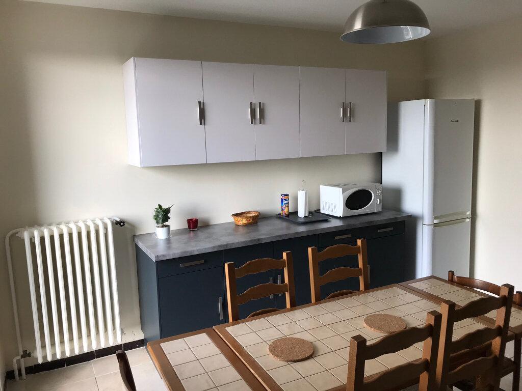Appartement à louer 4 85.1m2 à Miramas vignette-2