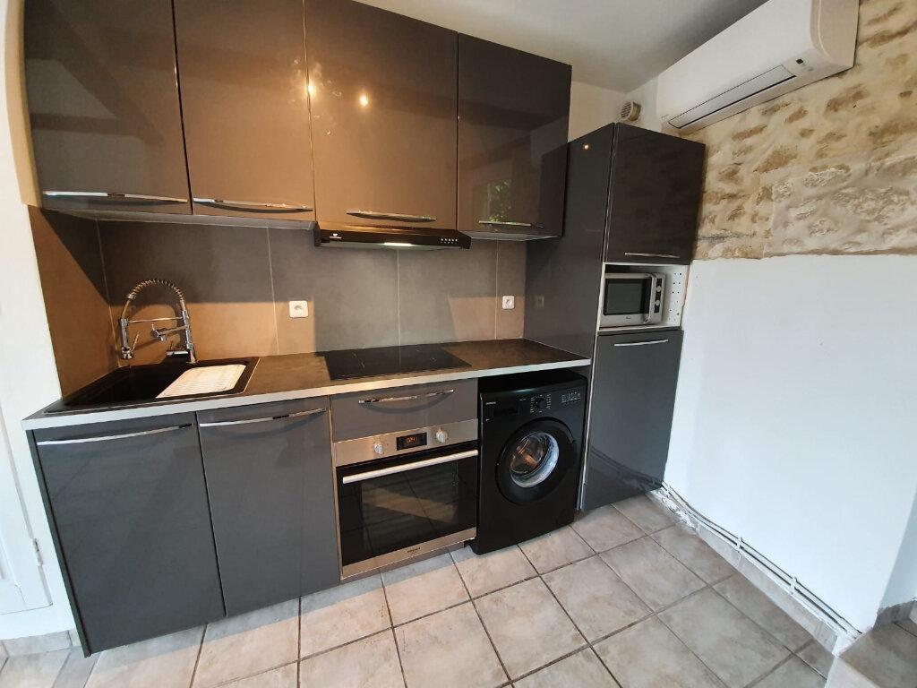 Appartement à louer 2 32.67m2 à Grans vignette-1