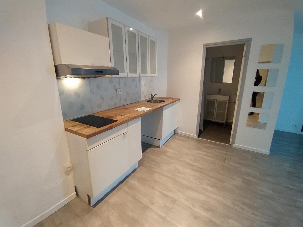 Appartement à louer 2 37.85m2 à Istres vignette-3