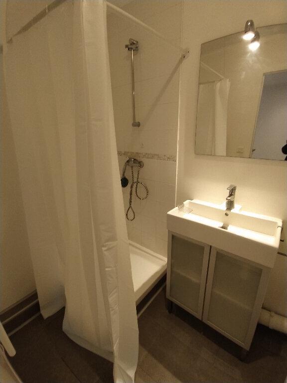 Appartement à louer 2 37.85m2 à Istres vignette-4