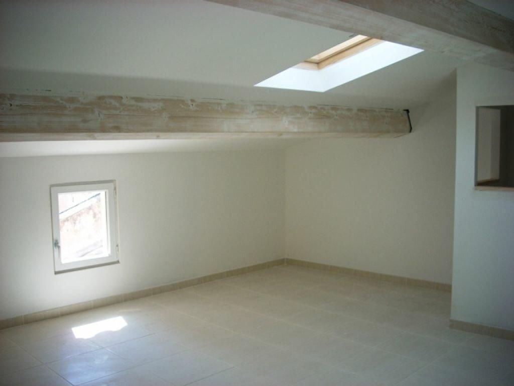 Appartement à louer 2 50m2 à Pélissanne vignette-2