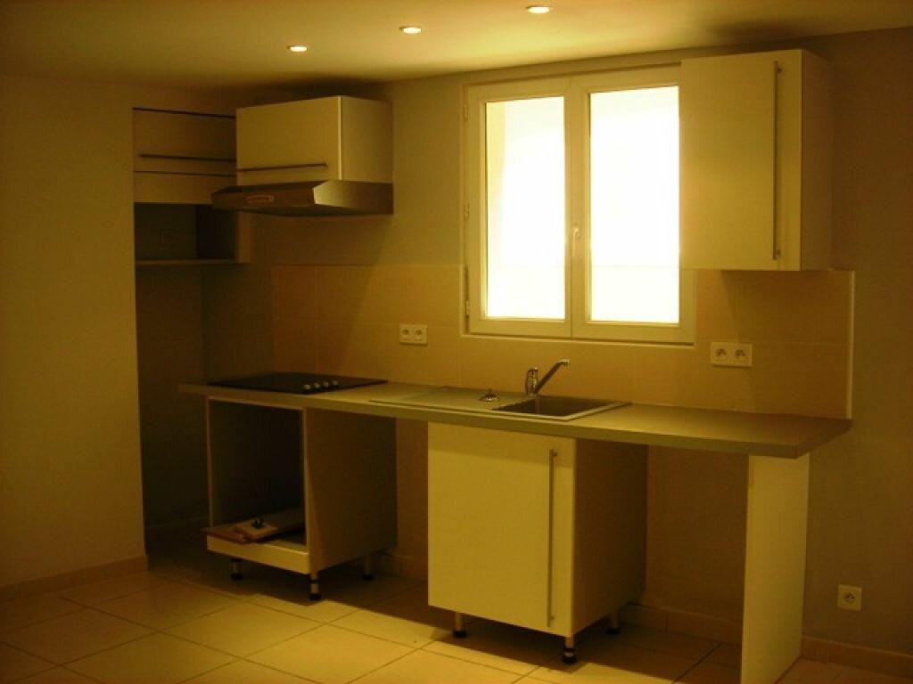 Appartement à louer 2 50m2 à Pélissanne vignette-4