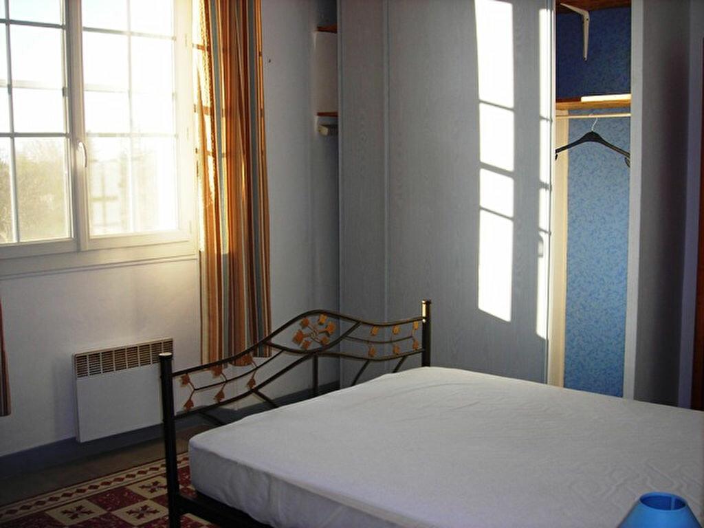 Maison à louer 3 80m2 à Salon-de-Provence vignette-4