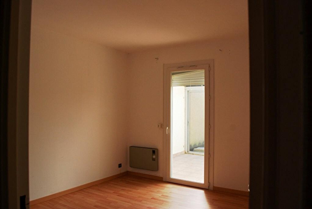 Maison à louer 5 109m2 à Salon-de-Provence vignette-7