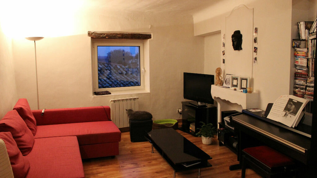 Appartement à louer 2 62m2 à Lambesc vignette-1