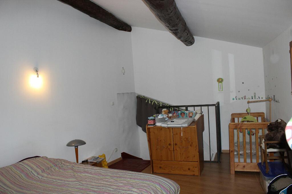 Appartement à louer 2 62m2 à Lambesc vignette-3