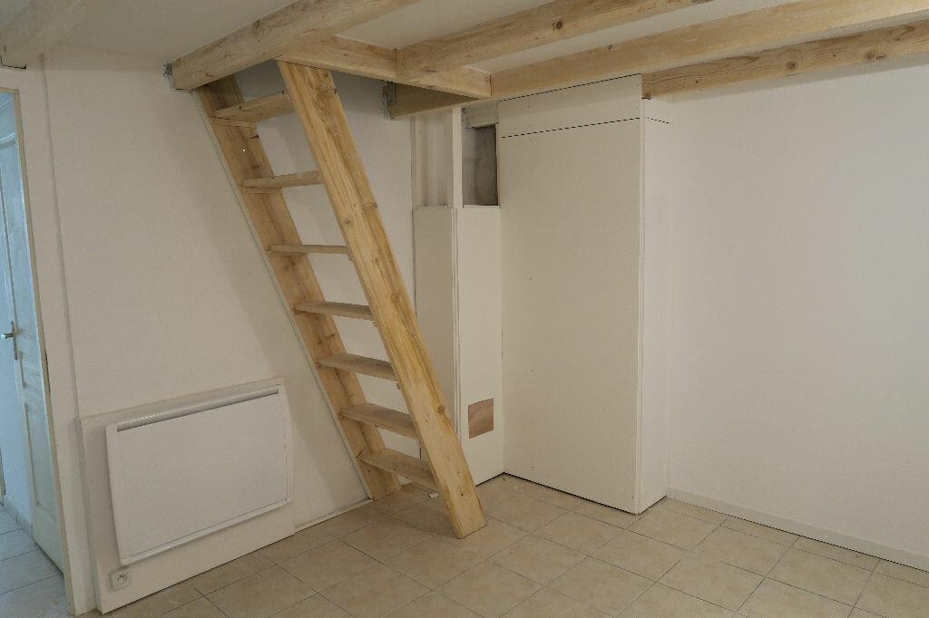 Appartement à louer 2 38m2 à Lambesc vignette-3