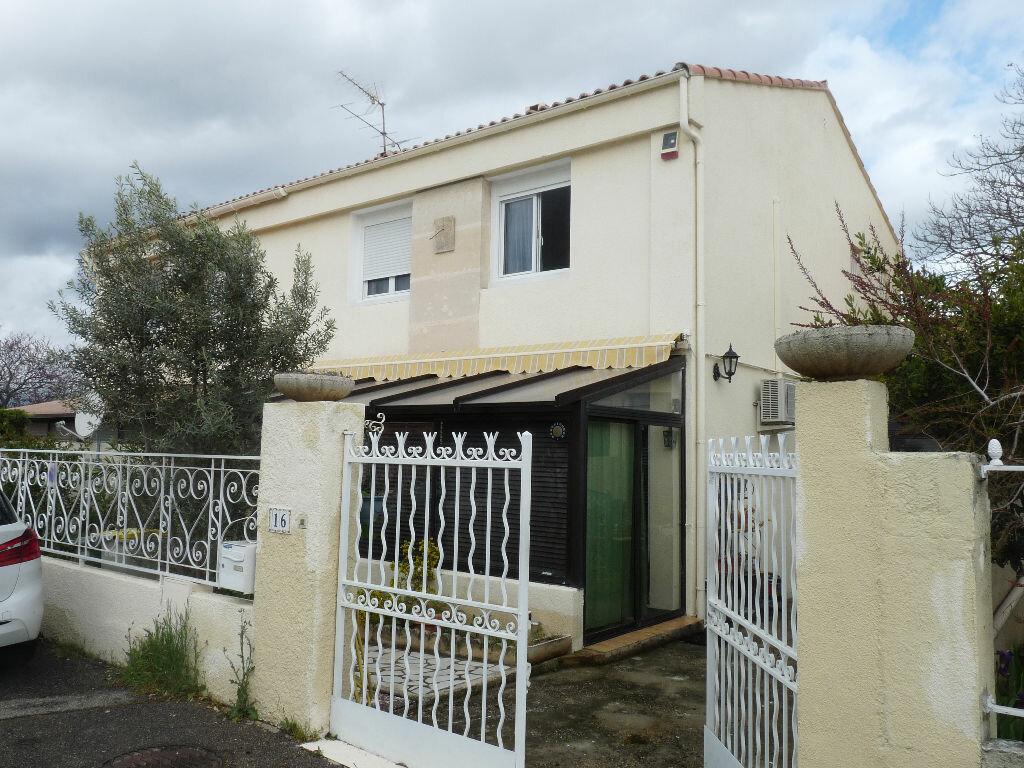 Maison à vendre 4 90.62m2 à Lambesc vignette-1