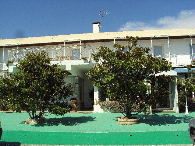 Maison à vendre 9 635m2 à Lambesc vignette-4