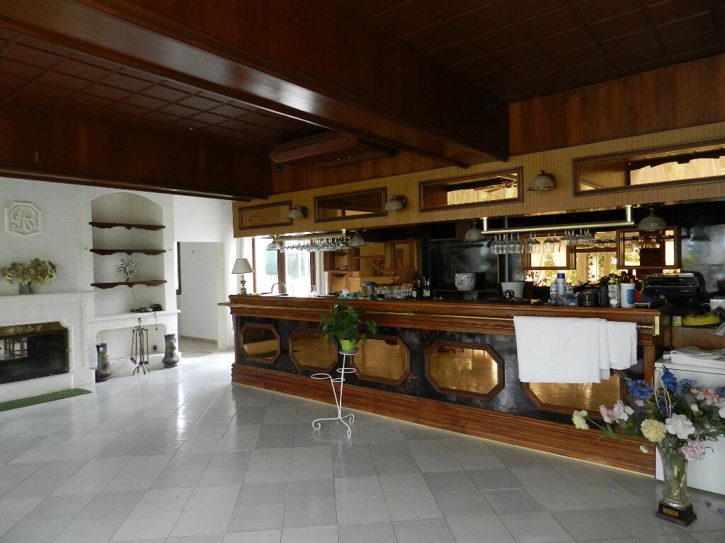 Maison à vendre 9 635m2 à Lambesc vignette-6