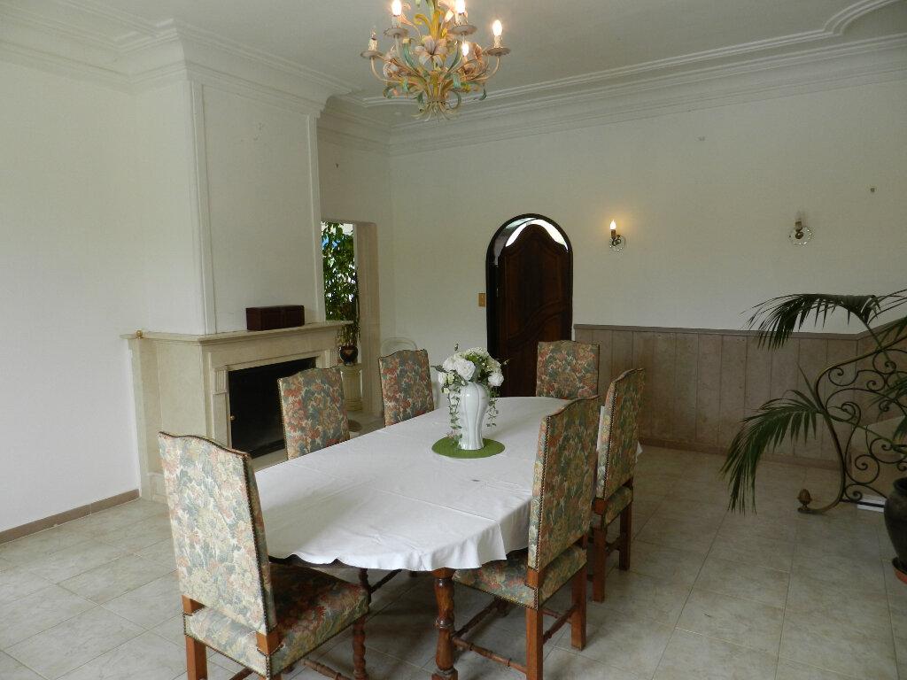 Maison à vendre 9 635m2 à Lambesc vignette-8