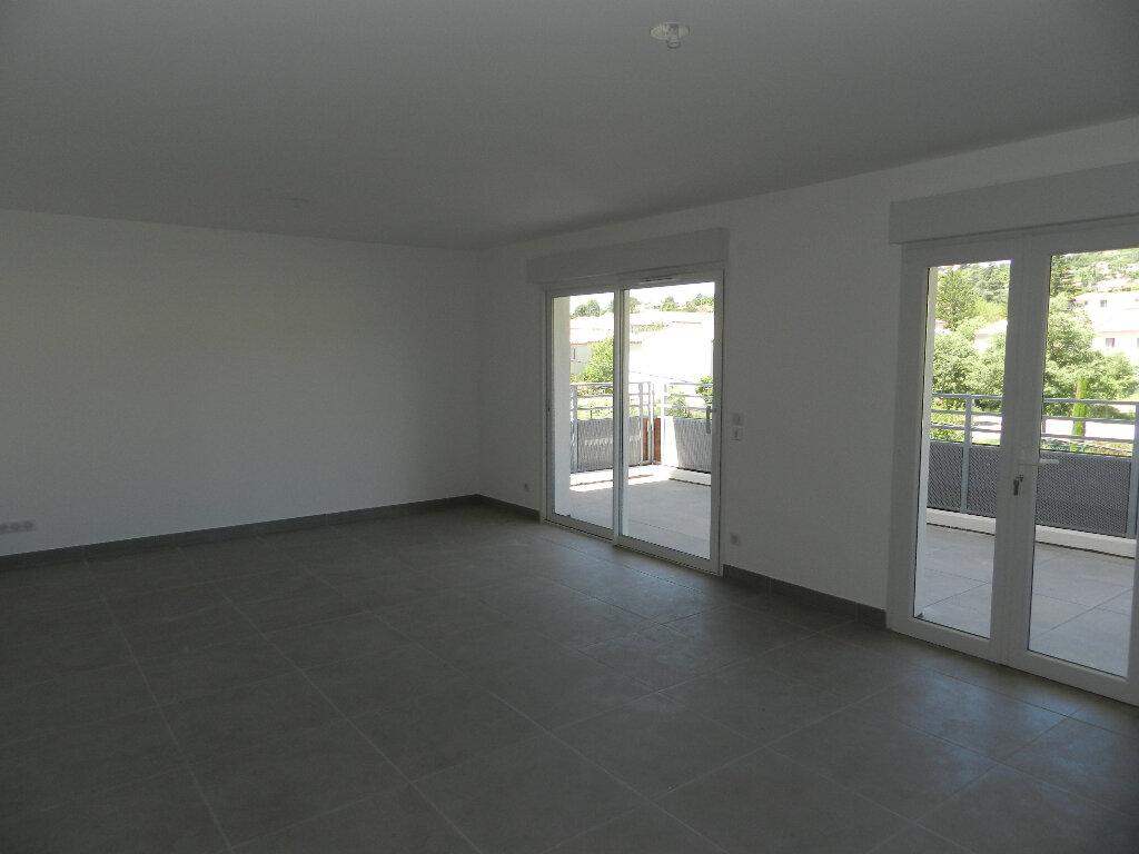 Appartement à vendre 3 69.9m2 à Manosque vignette-2
