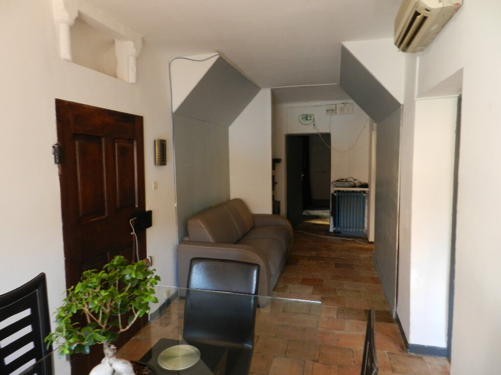 Maison à vendre 10 350m2 à Lambesc vignette-3