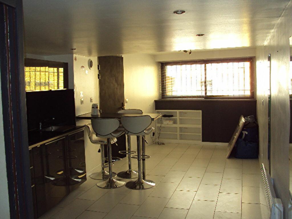 Maison à vendre 4 100m2 à Lambesc vignette-5